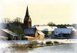 Weser und Kirche im Winter